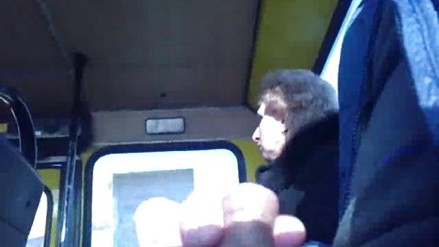 Порно в автобусе с негритянками добавить